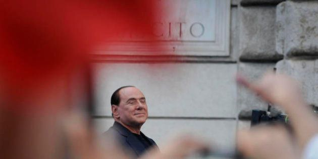 Decadenza Silvio Berlusconi: una lettera del Cav e i pareri, depositate le carte della difesa. La strada...