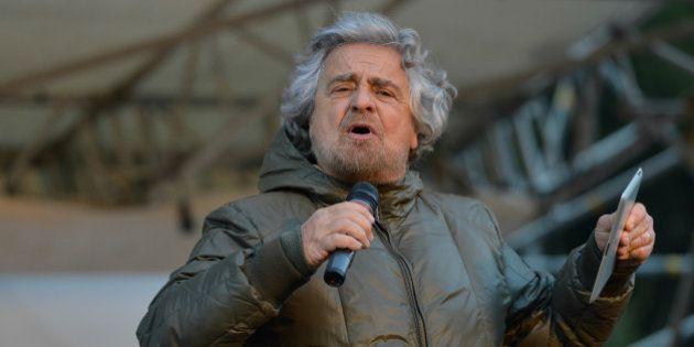 Blog Beppe Grillo, il giornalista del giorno è Toni Jop dell'Unità. Ennesimo attacco ai giornalisti dal...