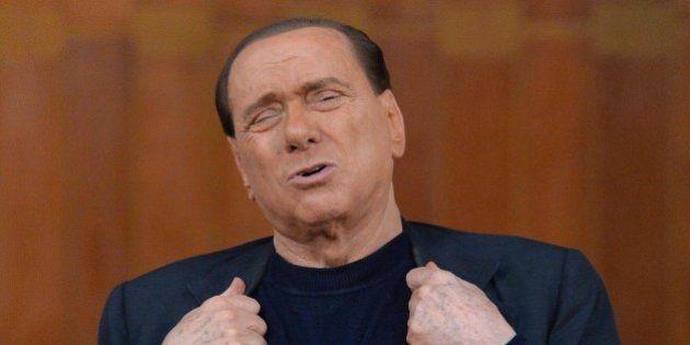 Silvio Berlusconi, triste solitario y final. Il declino dell'ex Cav tra l'omaggio a Putin e la suggestione...