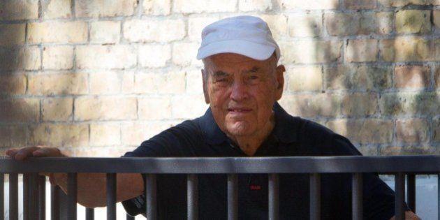 Erich Priebke: sepoltura a Pomezia, il sindaco dice no. Il Vicariato: