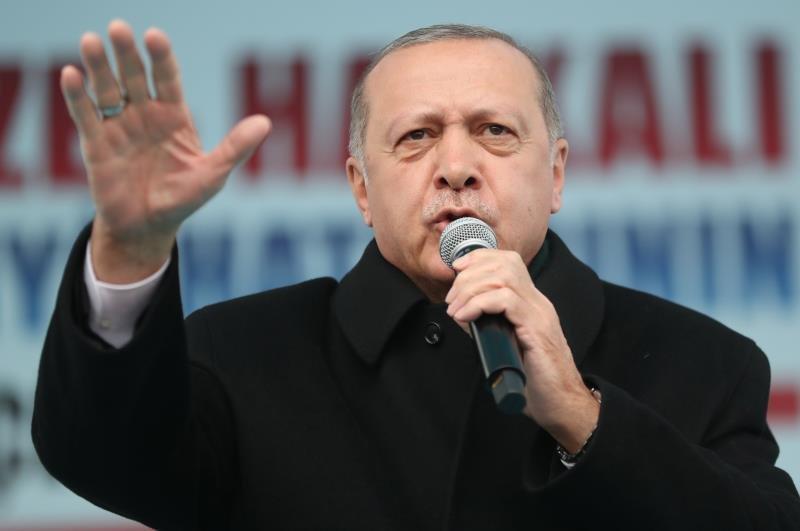Erdogan acusa a Francia de provocar el genocidio en Ruanda:
