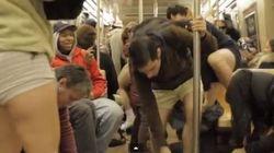 In metropolitana in mutande...(FOTO,
