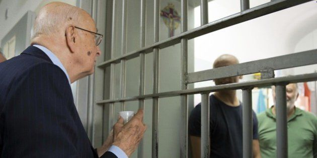 Indulto e amnistia contrari sette italiani su dieci. Per Silvio Berlusconi spunta l'ipotesi di uno sconto...