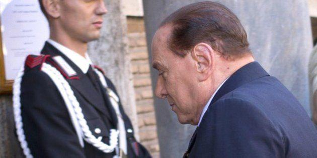 Silvio Berlusconi decadenza, approvata la relazione di Dario Stefano in giunta. Il Pdl vota