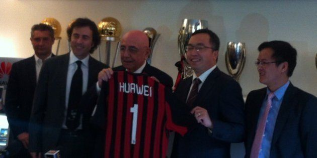 Milan sempre più cinese. La Huawei diventa premium sponsor del