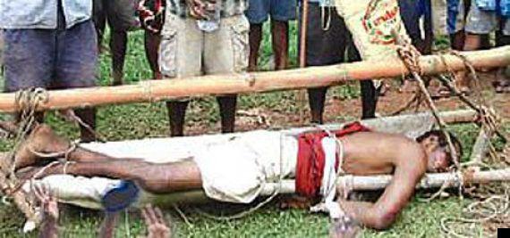 Capo religioso accusato di cannibalismo: colpito a morte dagli abitanti di un villaggio in Papua Nuova...
