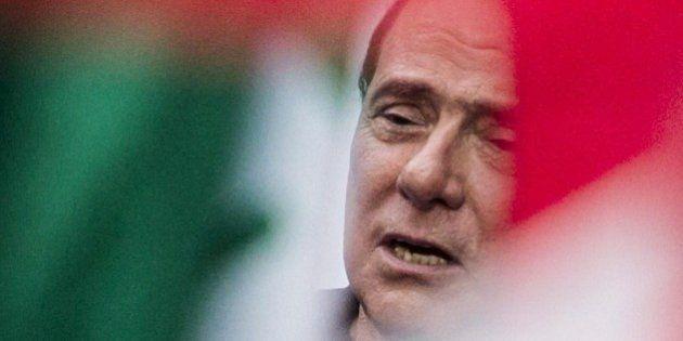 Silvio Berlusconi prepara la crisi di governo dopo la decadenza: