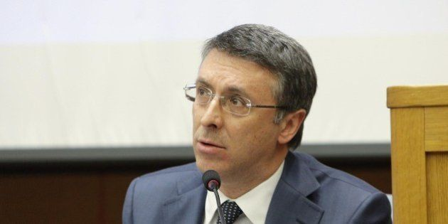 Raffaele Cantone nominato presidente dell'autorità anticorruzione. Matteo Renzi twitta: