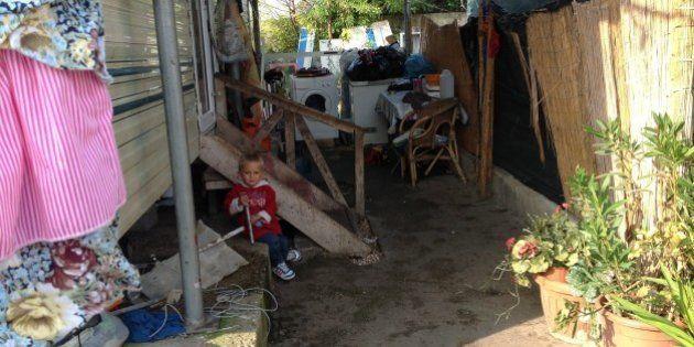 Campi rom a Roma, il mistero dei 42 milioni spesi dal Comune per l'inclusione. Reportage dal ghetto di...