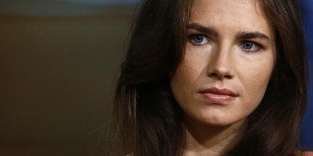 Omicidio Meredith Kercher, tracce di Dna di Amanda Knox sul coltello di Raffaele