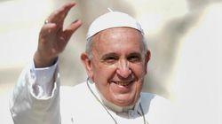 Bergoglio rende al combattente Bertone l'onore delle