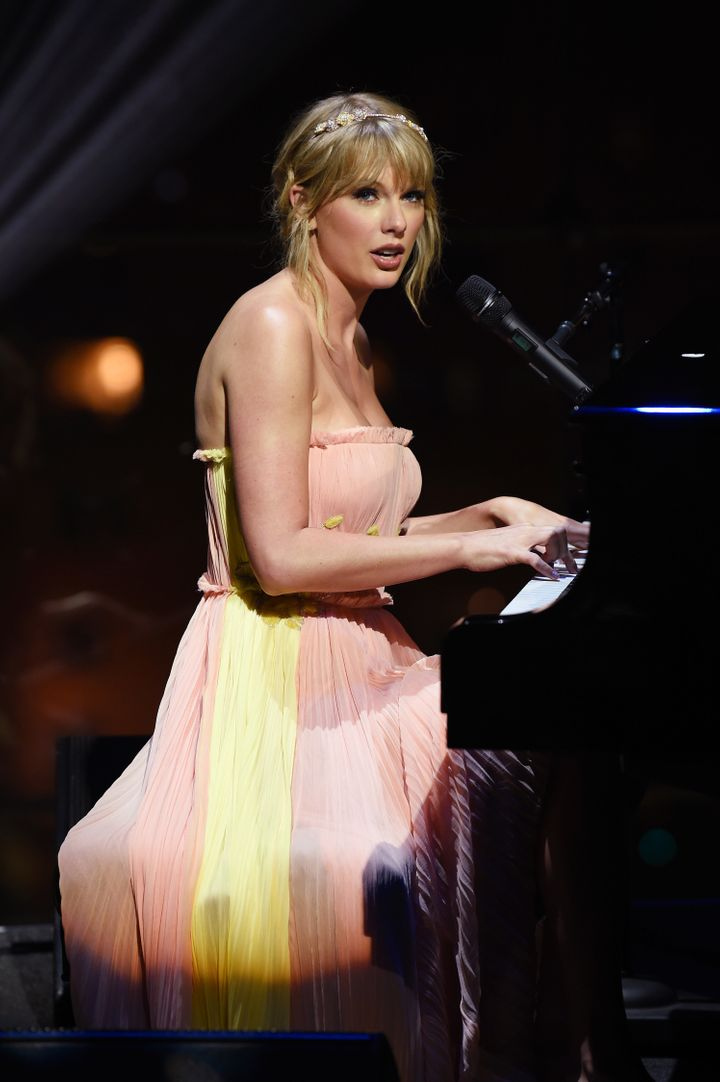 Swift also performed — sans sleeves — at the event.