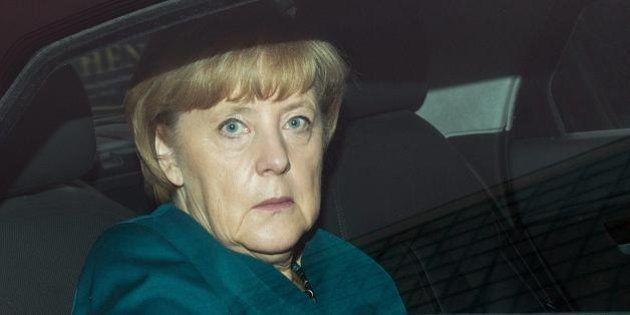 Angela Merkel, soldi dalla Bmw al partito subito dopo il no all'accordo su Co2. La cancelliera nella