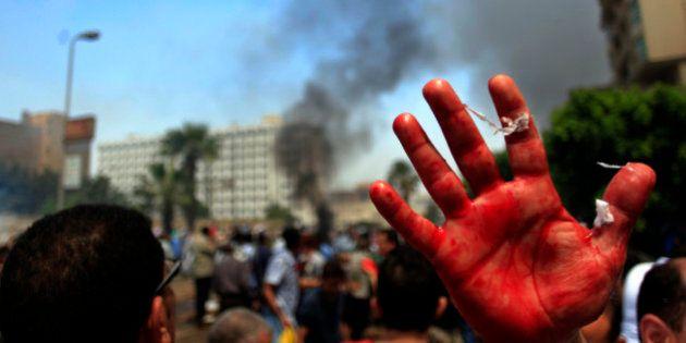 Egitto, la polizia sgombera sit-in pro Morsi. Oltre 2.000 morti secondo i Fratelli Musulmani (FOTO,
