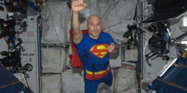 Halloween, Luca Parmitano si traveste da Superman
