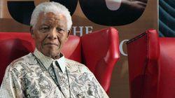 Nelson Mandela lascia l'ospedale dopo tre mesi, si curerà a casa (FOTO