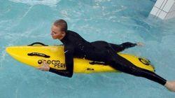 Charlene di Monaco torna a nuotare (ma solo in muta)