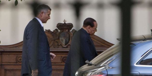 Decadenza di Silvio Berlusconi: il Pd alza i toni, il Cav torna ad Arcore per un vertice di