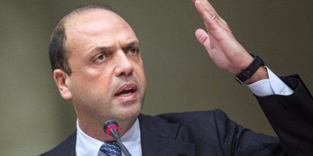 Angelino Alfano, il doppio fronte: in trincea nel governo ma sulle amministrative lavora per il