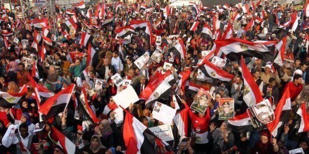 Egitto, scontri nell'anniversario della rivoluzione: Morti, feriti e giornalisti picchiati. 600 arresti...