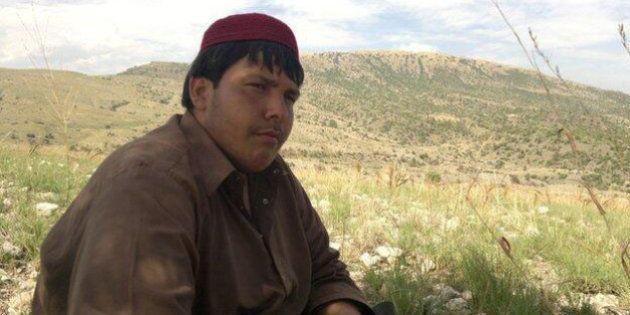 Pakistan, Aitazaz Hassan muore a 14 anni per fermare un kamikaze. Sventata la strage nella scuola