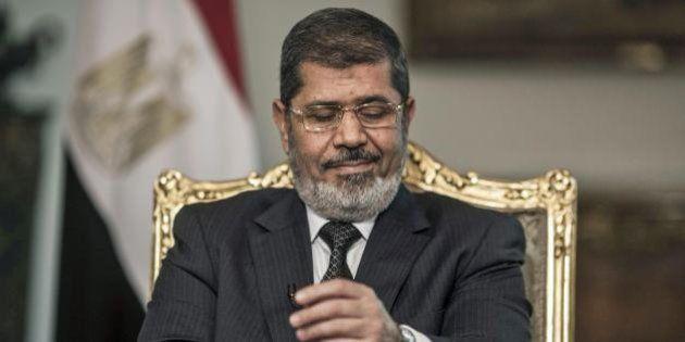 Egitto, parte il processo a Morsi. Ex presidente arriva in tribunale in elicottero