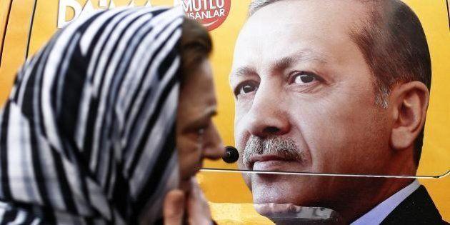 Elezioni Turchia, Erdogan esulta: