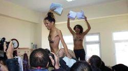Protesta delle Femen nel seggio di