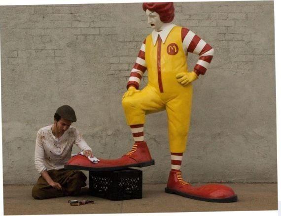 Banksy contro McDonald's. A New York, le nuove opere del ciclo