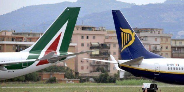 Trasporto aereo più caro nel 2013 a causa dei rincari delle compagnie low-cost. In calo prezzi dei voli