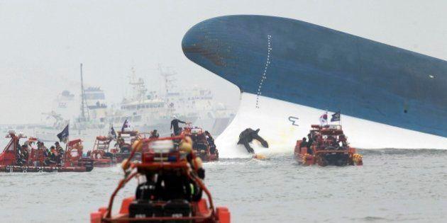 Corea del Sud: naufraga traghetto con studenti a bordo, oltre 290 dispersi (FOTO,