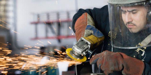 Lavoro, Commissione europea: i contratti a termine non portano al posto fisso. L'economia cresce