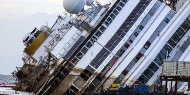 Costa Concordia, la rimozione in tre tappe. A marzo la scelta del porto, a giugno il rigalleggiamento