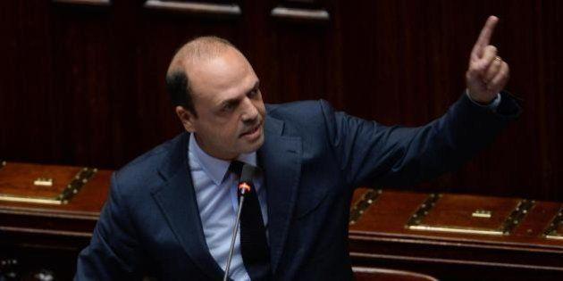 Immigrazione, Angelino Alfano contro la Lega: