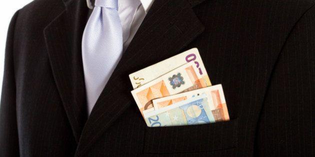Baby prostitute, i clienti dei Parioli cercano il patteggiamento: liberi con 40mila euro, senza dover...