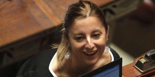 Roberta Lombardi del M5S su twitter si lamenta delle pulizie Ama: