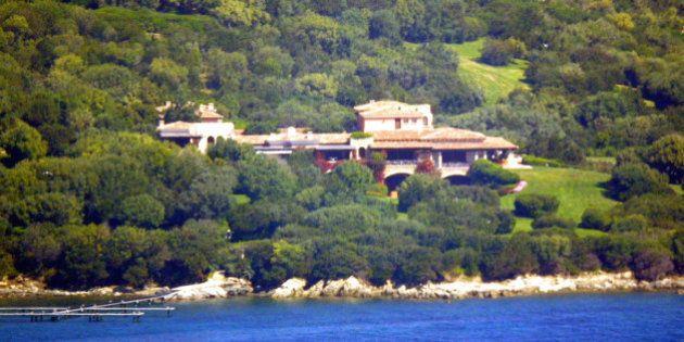 Silvio Berlusconi pronto a vendere villa Certosa per 400 milioni. Lo scrive il quotidiano spagnolo