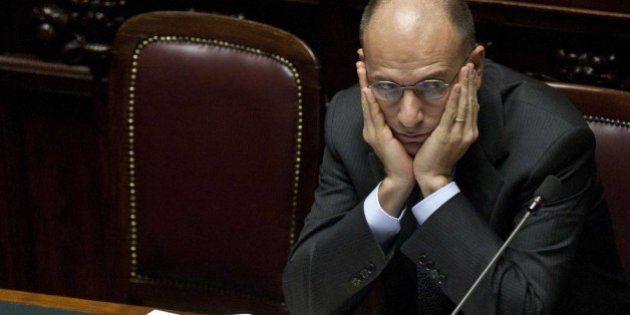 Sondaggio, governo in calo di consensi. Matteo Renzi il più popolare tra i