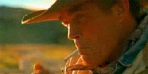 Morto Marlboro Man. Eric Lawson ucciso da un cancro ai polmoni, fumava da quando aveva 14 anni