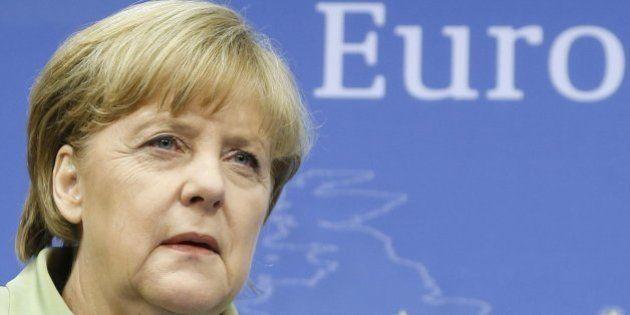 Germania: Angela Merkel in Bavaria, uomo armato prende ostaggi nel Municipio di