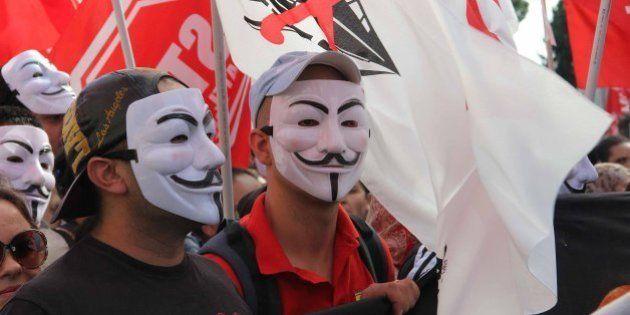 Manifestazione 19 ottobre, tanti radicali in piazza e pochi scontri. Ecco