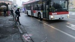 Autobus lo travolge, 14 muore schiacciato da un autobus a Reggio