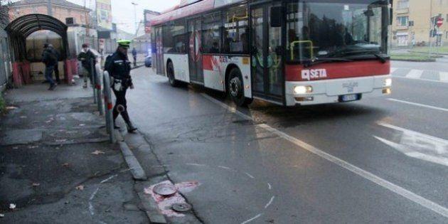 Autobus investe studente, morto 14enne mentre andava a