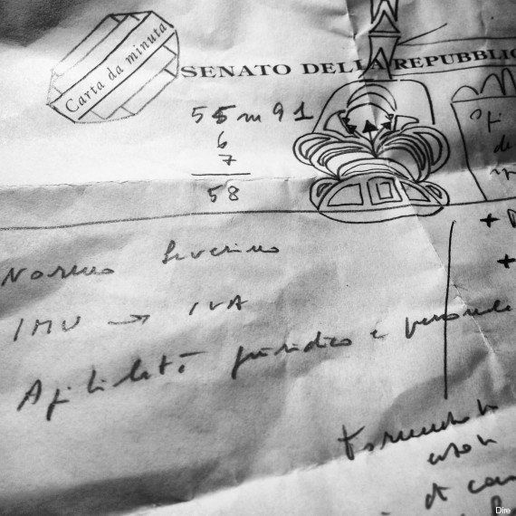 Silvio Berlusconi decadenza, la difesa di Renato Schifani in un foglietto