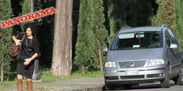 FOTO Agnese Landini, moglie di Renzi pizzicata sulla corsia preferenziale con il permesso del