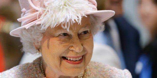 La Regina Elisabetta a Roma: pranzo al Quirinale poi da Papa Francesco