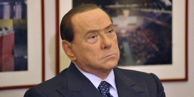 Legge elettorale, Silvio Berlusconi, per ora, non cede al pressing di Napolitano e Renzi sul premio di