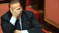 Il ricatto delle colombe, l'ultimatum dei falchi. Silvio Berlusconi seduto sulla doppia scissione del Pdl: