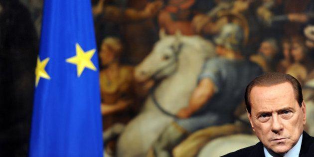 Silvio Berlusconi decandenza: Andrea Augello e il doppio ricorso alla Consulta e alla Corte di Lussemburgo...