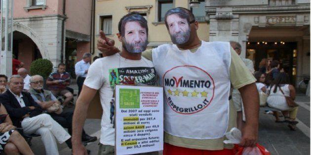 Massimo Cacciari contestato dal Movimento 5stelle. Era a Mestre per il Festival della politica